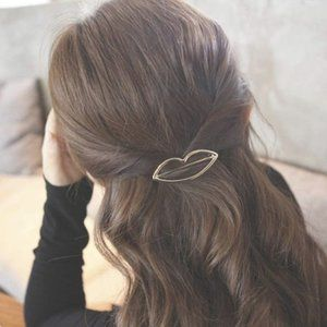 Brandy Melville Gold Metal Lips Kiss Hair Clip Pin